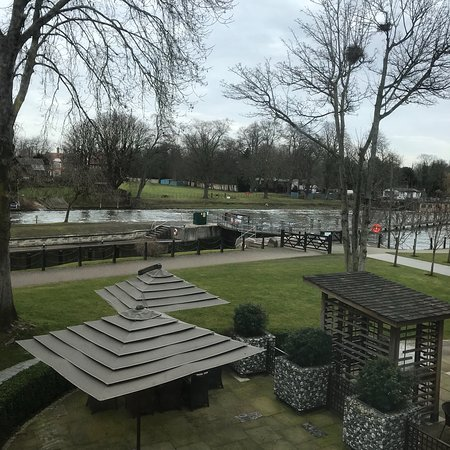 the runnymede on thames reviews