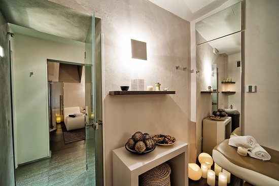 trevi palace luxury apartments reviews